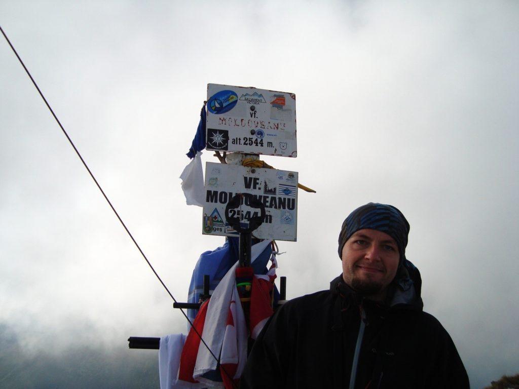 Pe Moldoveanu, cel mai înalt vârf din Transilvania și România, 2012.