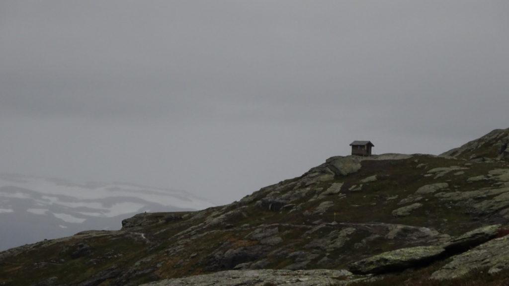 Refugiu în Norvegia spre Trolltunga