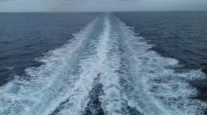 A Skagerrak tengerszoros átkelése Dánia és Norvégia között egy nagy komppal